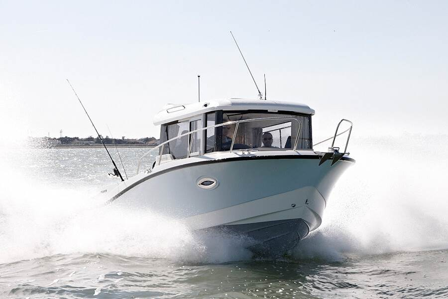 Captur 755 Pilothouse